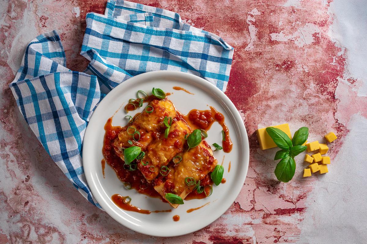 """Cannelloni se """"sýrem"""" Tudlee a rajčatovou omáčkou"""
